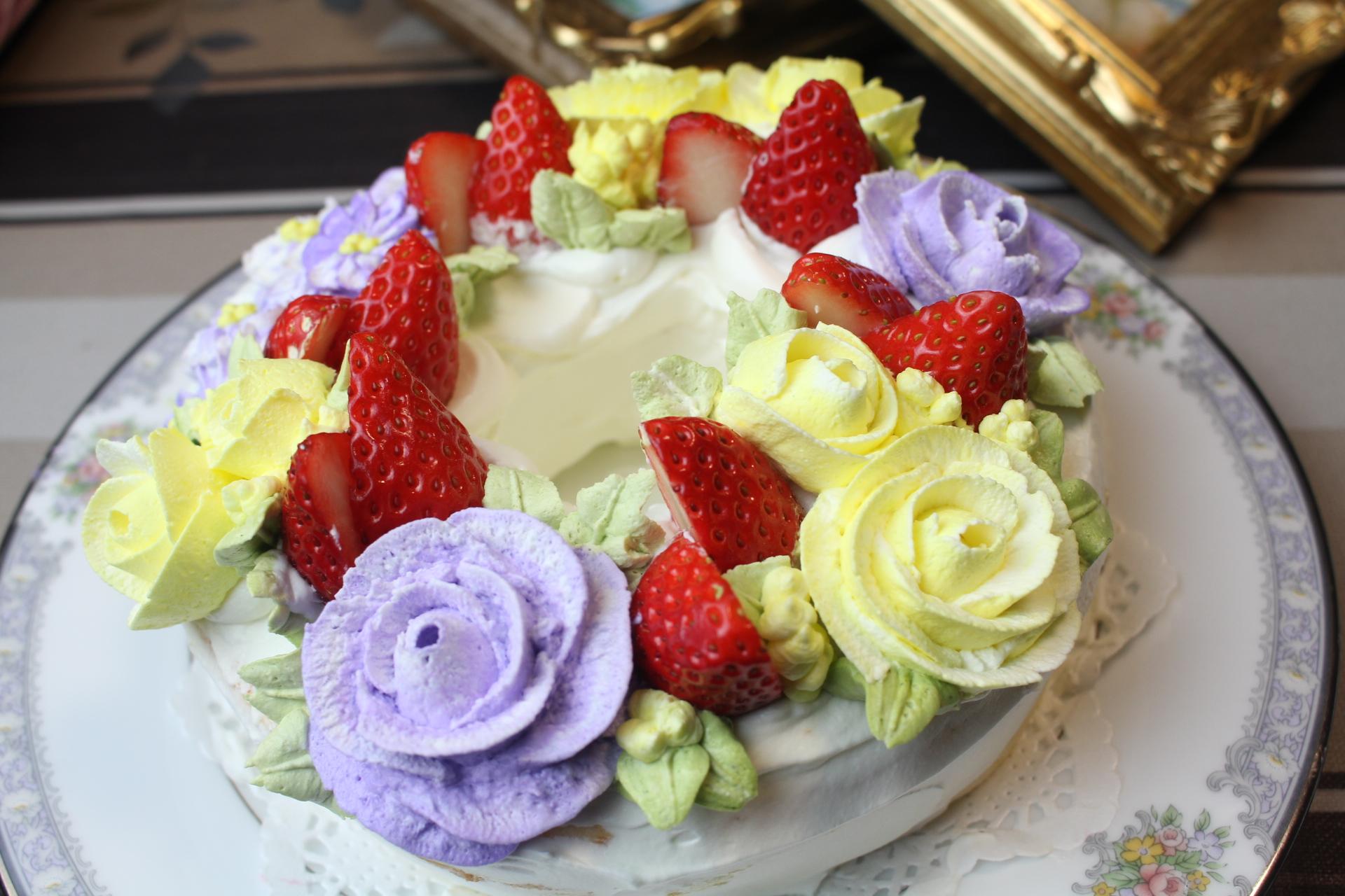 薔薇と苺のエンゼルシフォン