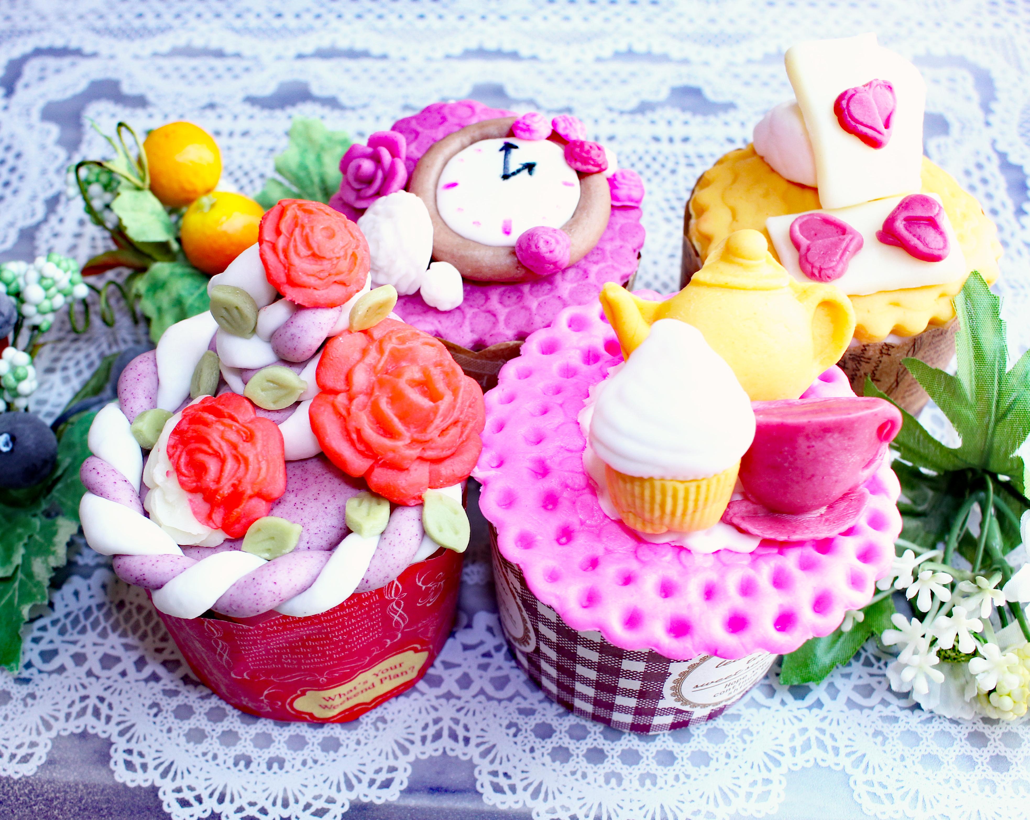 不思議の国のアリスカップケーキ