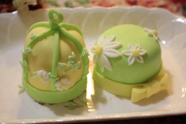 バードケージのカップケーキ