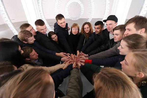 kharkiv-hands.jpg