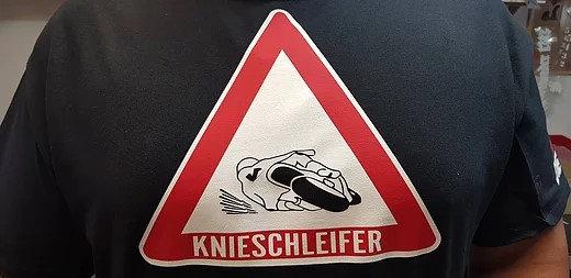 Achtung Knieschleifer Männer T-Shirt