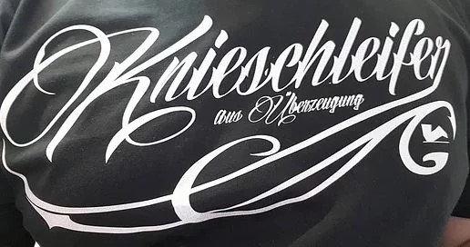Tattoo T-Shirt der Knieschleifer aus Überzeugung