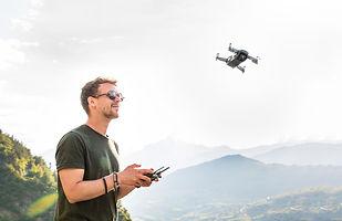 drone-3453361_1920.jpg