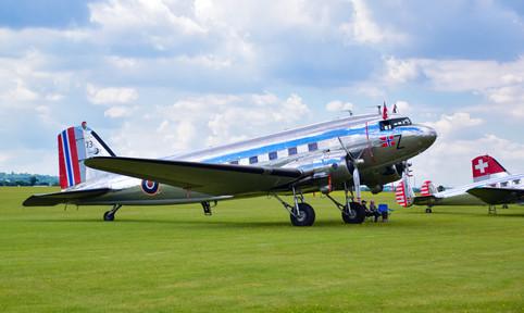 Douglas C-53D-DO Dakota LN-WND 73 (9458)