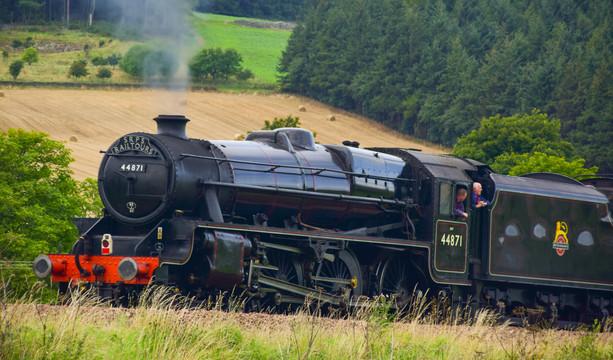 """SRPS Railtours - 44871 """"Sovereign"""" (1561a)"""