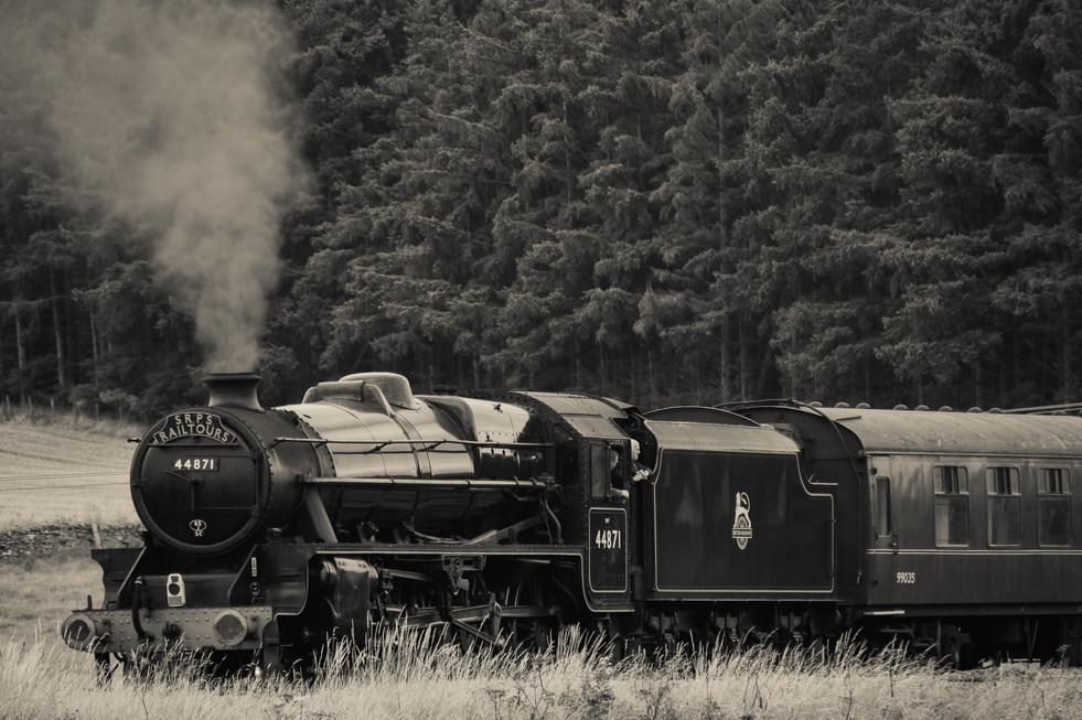 """SRPS Railtours - 44871 """"Sovereign"""" (1563a)"""