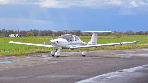 Diamond DA40-180 Diamond Star G-SFLY (8229)