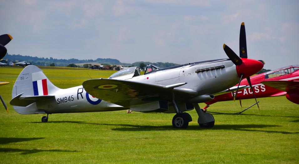 Supermarine Spitfire Mk XVIII G_BUOS SM845 (9404)