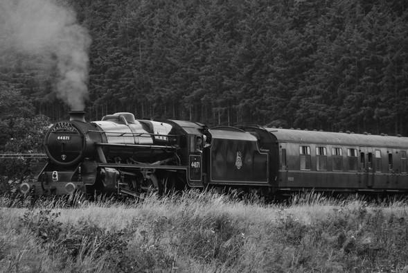 """SRPS Railtours - 44871 """"Sovereign"""" (1562a)"""