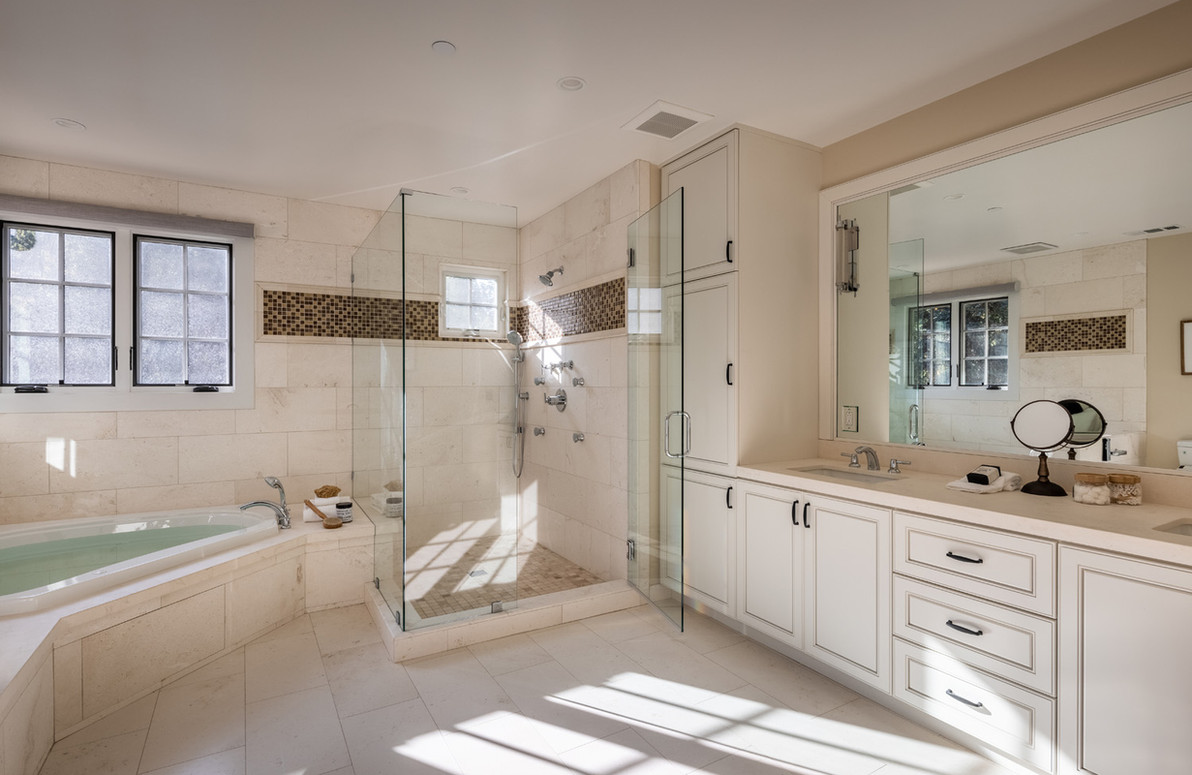 L2_Bed_Bath_5103.jpg