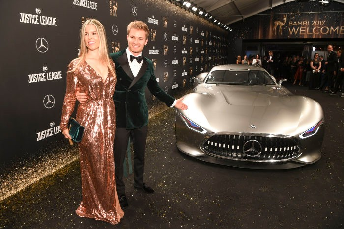 D459225-69th-BAMBI-Awards-in-Berlin-Mercedes-Benz-LocalHero-campaign-winner-honoured