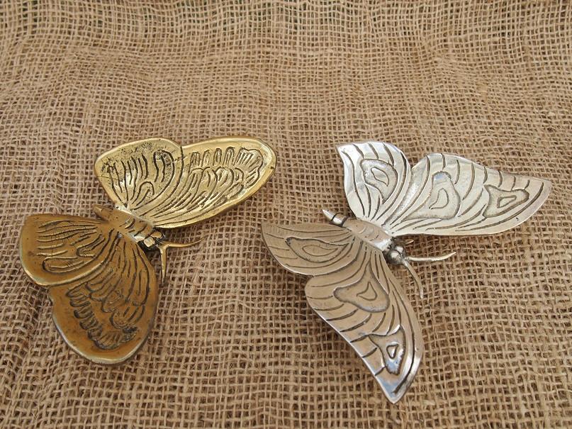 isot perhoset pronssia