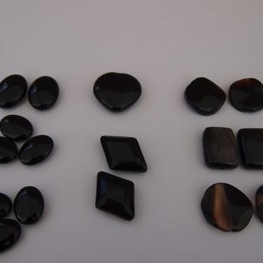 onyx- helmiä