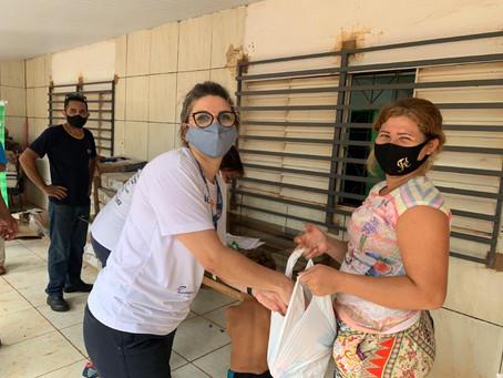 Mesa Brasil Sesc doa 828 quilos de frango para entidade que atende famílias vulneráveis na Capital
