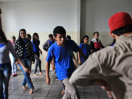 Projeto realiza gratuitamente oficinas de danças urbanas em quatro cidades no entorno da capital