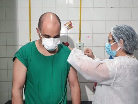 Campo Grande inicia aplicação da segunda dose da vacina contra a covid-19 em trabalhadores da saúde