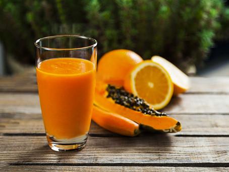 Ricos em vitamina C, laranja e mamão ajuda a aumentar defesas do corpo
