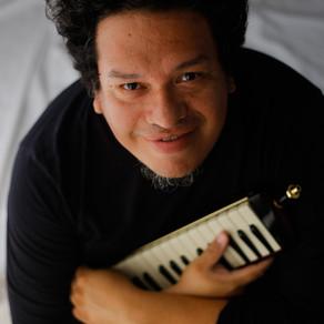 Som da Concha deste domingo terá o Soul e Jazz de Otavio e o sertanejo de Rodrigo Nogueira