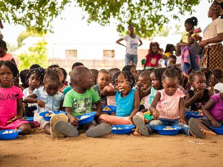 Fraternidade sem Fronteiras arrecada valor para a compra de 6 mil cestas básicas, para famílias do B