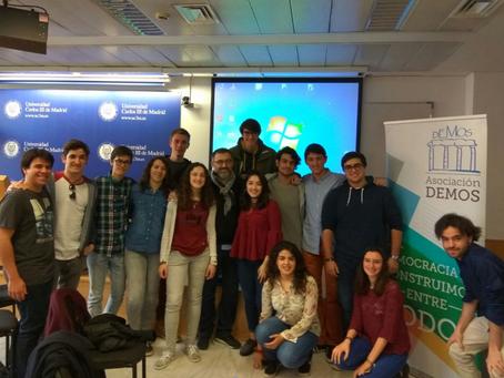 Seminario interno de comunicación política en las elecciones francesas con Antoni Gutiérrez-Rubí