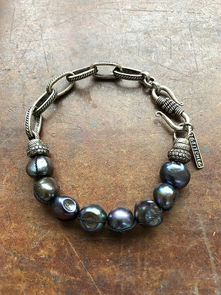 Large dark Pearl bracelet
