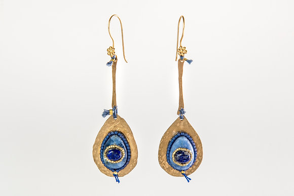 Lapis Azuli and thread Earring