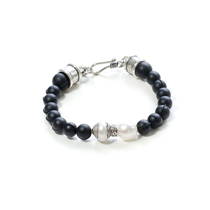 Onyx and Knotted Pearl with Silver hardware
