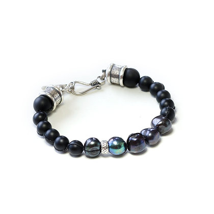 Pearl and knotted Onyx with Silver hardware