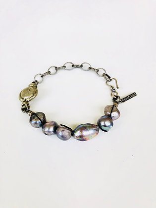 Pearls and vintage chain bracelet