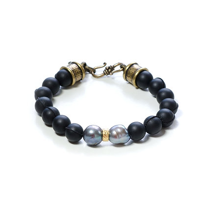 Onyx and Pearl Bracelet
