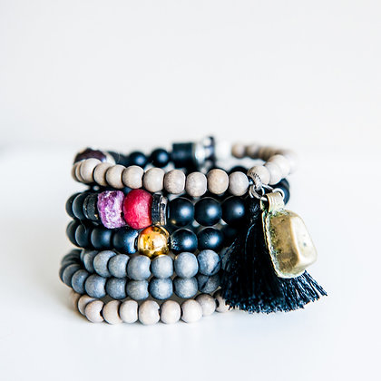 6 Stack Mixed:Onyx+raw ruby+Gold Bracelets+Charms