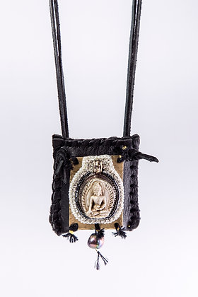Pacha Mama Pouch with pearl
