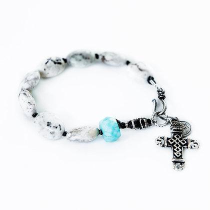 Howlite ovel stones with Turquoise bracelet