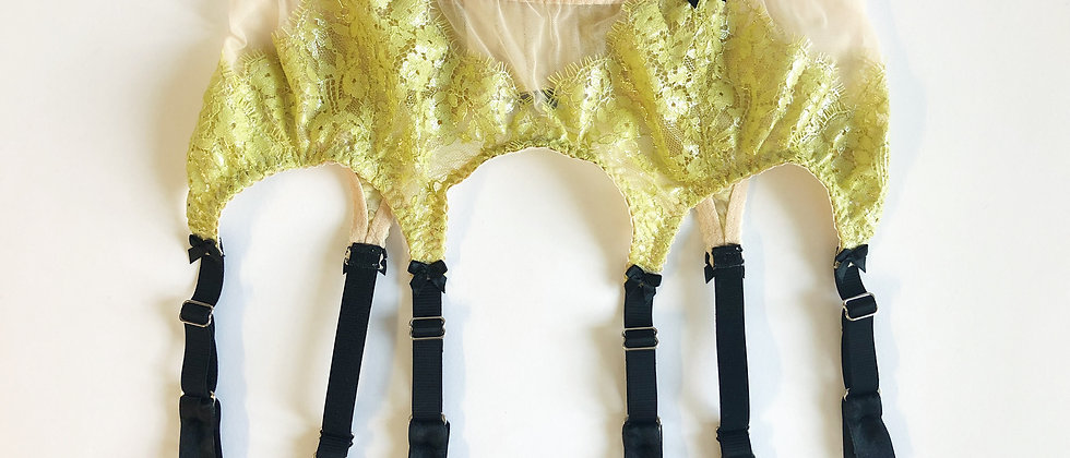 Frida suspender belt in stock