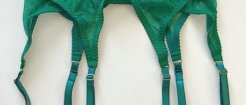 Basic emerald suspender