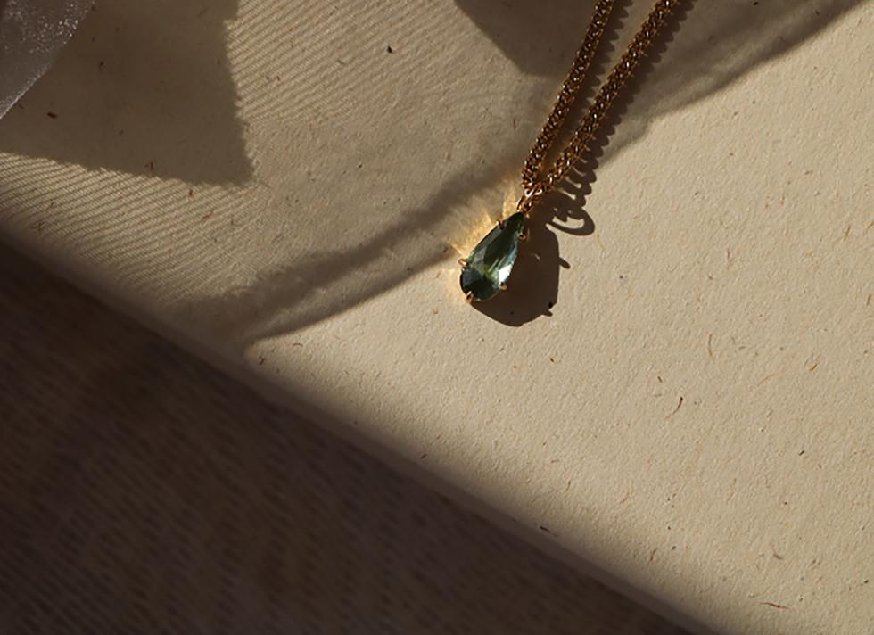 Collar Green tales
