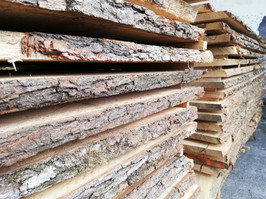 unedged oak sawnfresh timber