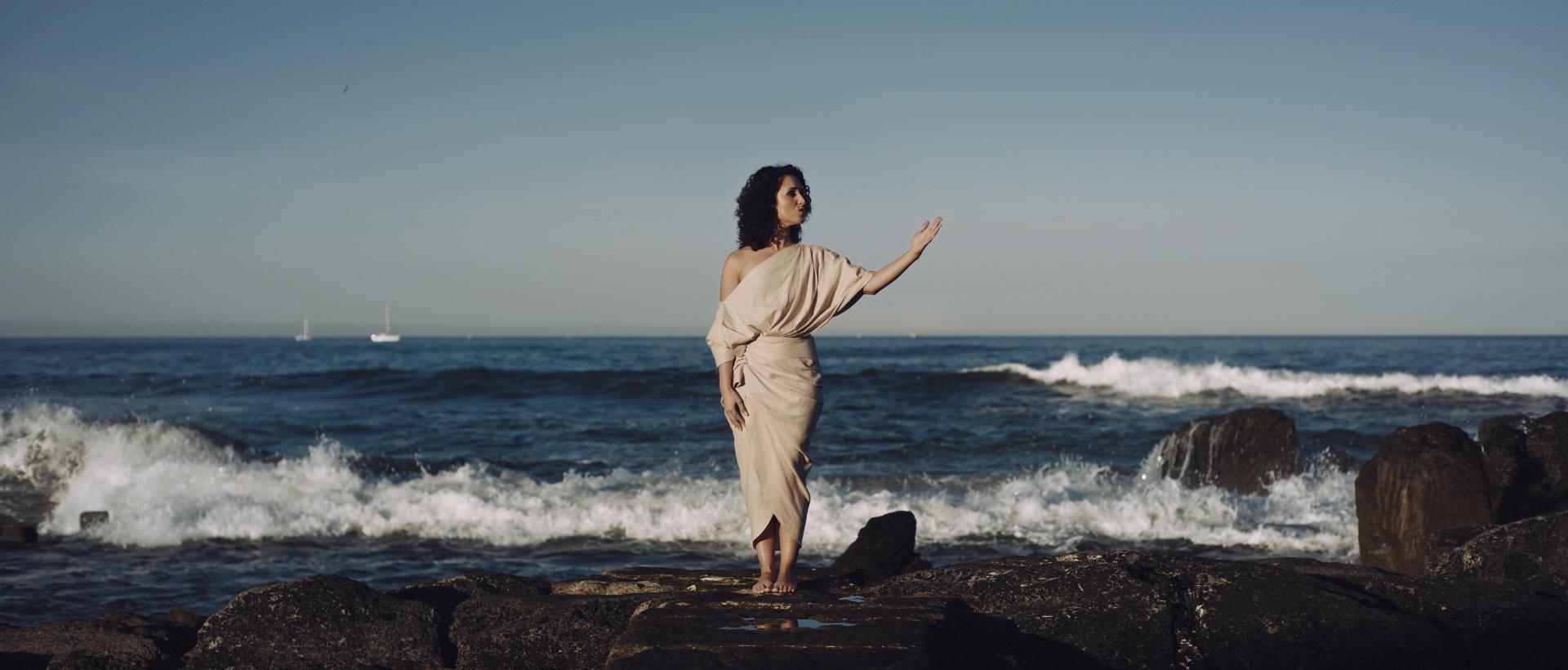 Maria Mendes - Barco Negro