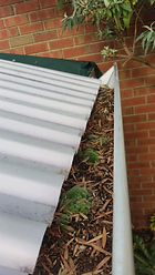 gutter cleaner in greenacres,gutter cleaner,gutter,cleaner,cleaning,clean,greenacres,business,company,in,near,roof,house,commercial,adelaide,hills,sa,local