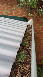 gutter cleaner in frewville,gutter cleaner,gutter,cleaner,cleaning,clean,frewville,business,company,in,near,roof,house,commercial,adelaide,hills,sa,local