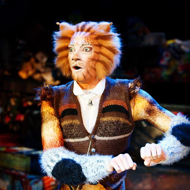 Cats - Matthew Rowland as Skimbleshanks