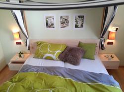 Zirbelholz Bett