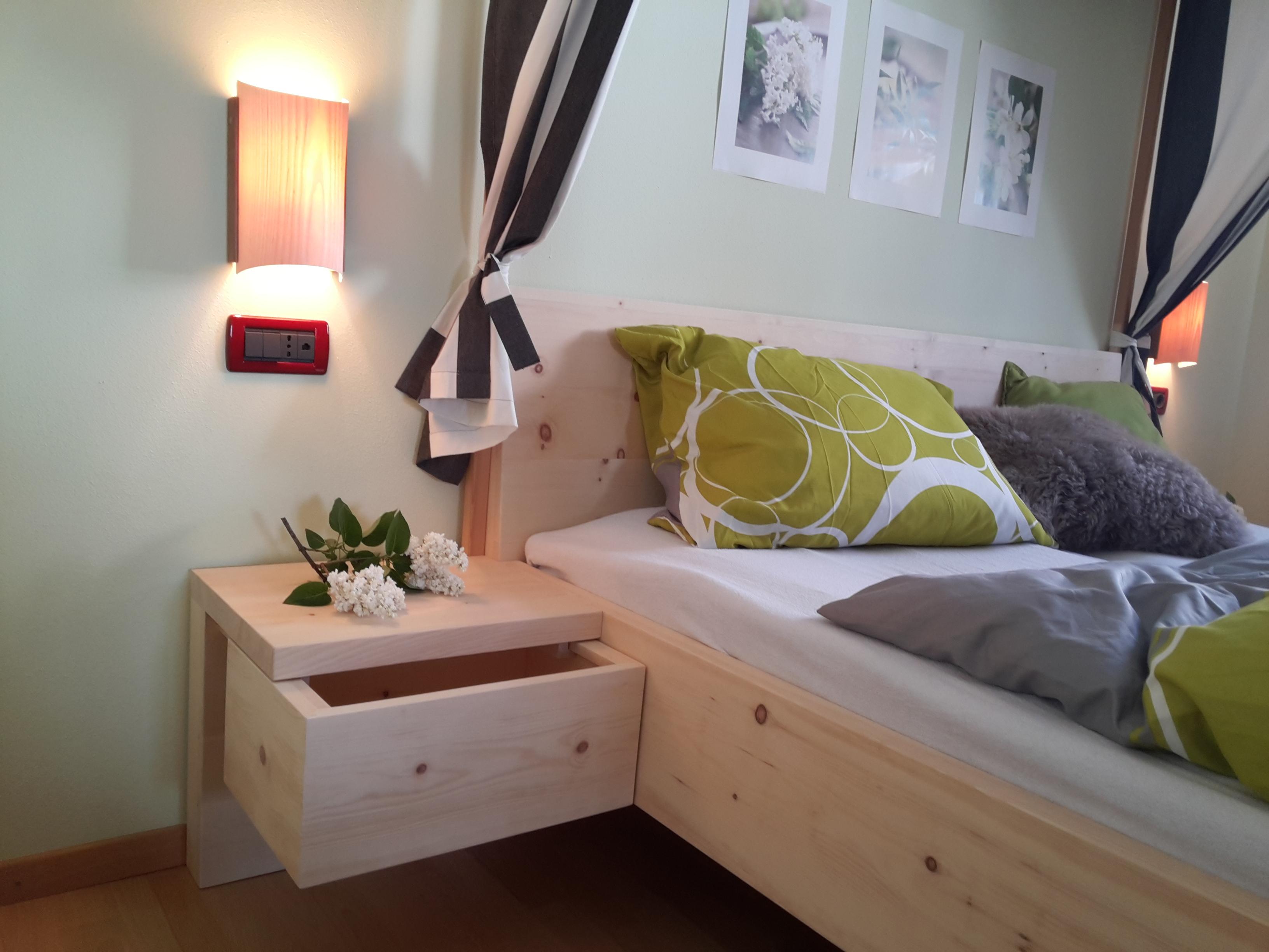 Zirbel Holz Bett