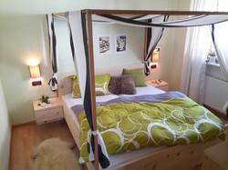 Zirm Holz Bett