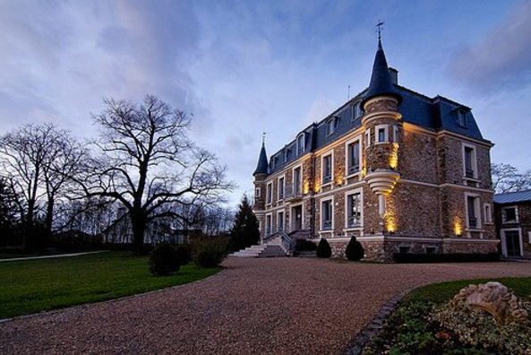Chateau des Tourelles, le Plessis Trévise, 2016  Solo exhibition
