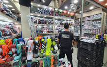 Federal Revenue seizes 20 thousand pairs of sneakers in Brás