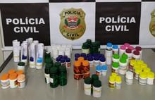Polícia prende dupla em farmácia de manipulação por falsificação de remédios em Bauru