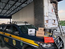More than 900 pairs of sneakers without invoices are seized in Alagoas
