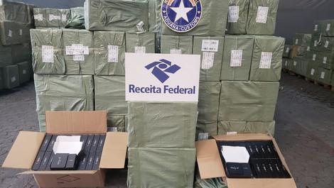 Receita Federal apreende quase 124 mil aparelhos de TV Box no Porto do Rio de Janeiro