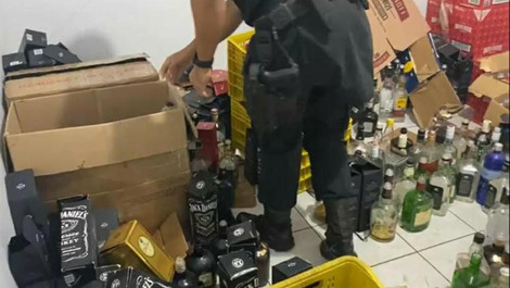 Polícia Militar desmonta fábrica clandestina de bebidas